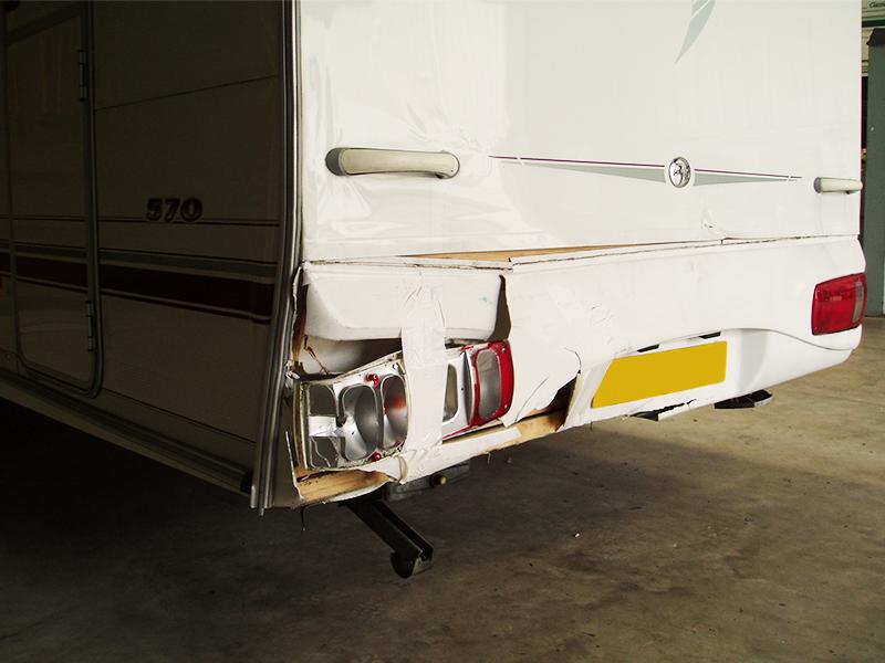 02-2-caravan-rear