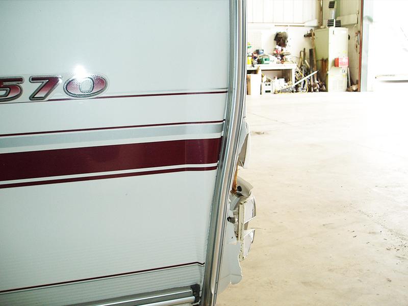 02-4-caravan-rear
