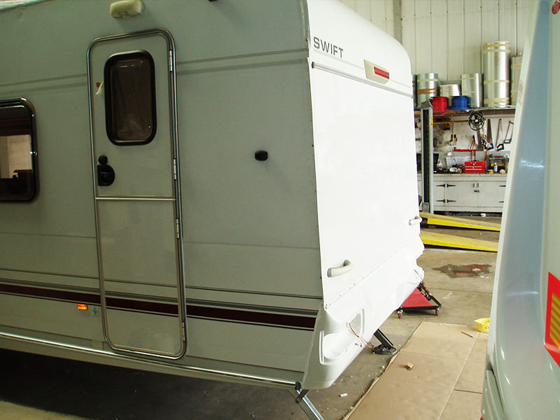 02-6-caravan-rear